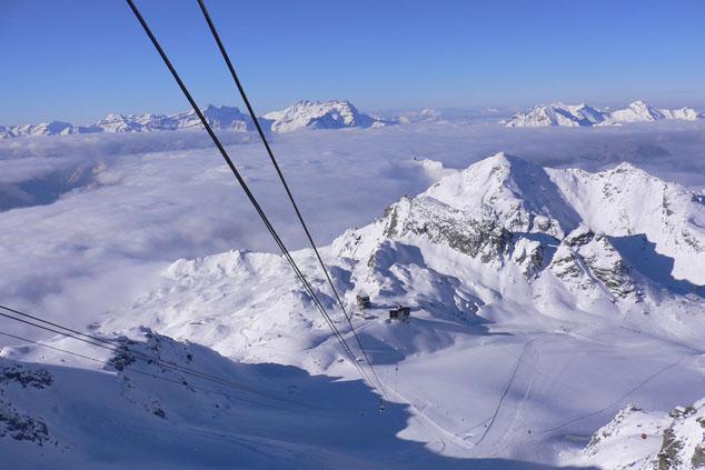 Самая длинная в мире канатная дорога строится в Альпах. Её длинна превысит 7 километров.