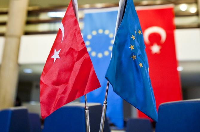 Безопасность — ключевая проблема для возврата к упрощенному визовому режиму с Турцией