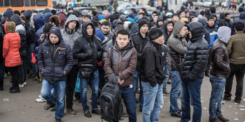 Госдума РФ рассмотрит законопроект о принудительной дактилоскопии мигрантов