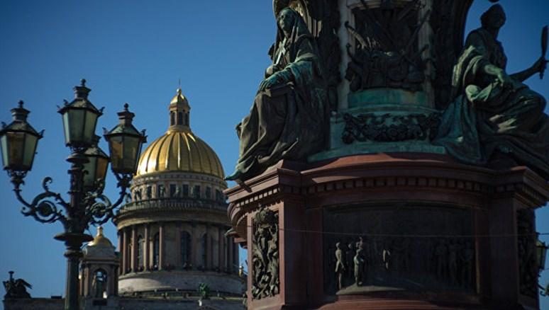 Губернатор Санкт-Петербурга предложил упростить визовый режим для его гостей