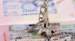 Испания и Франция пытаются привлечь российских туристов