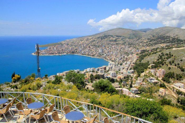 Албания намерена заменить российским туристам Черногорию