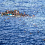 При кораблекрушении в Средиземном море утонуло более 30 беженцев