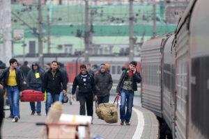 Число приезжих иностранцев в Россию уменьшилось до шестилетнего минимума