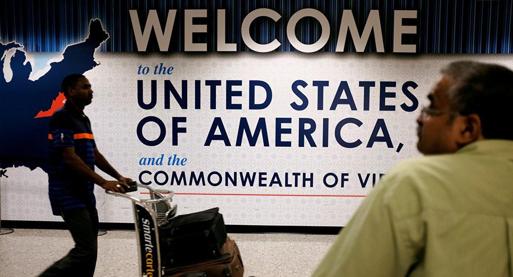 США расширил список стран, гражданам которых запретили въезд в страну