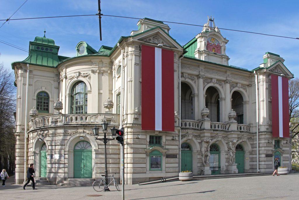 Латвия отказывает калининградцам в визах