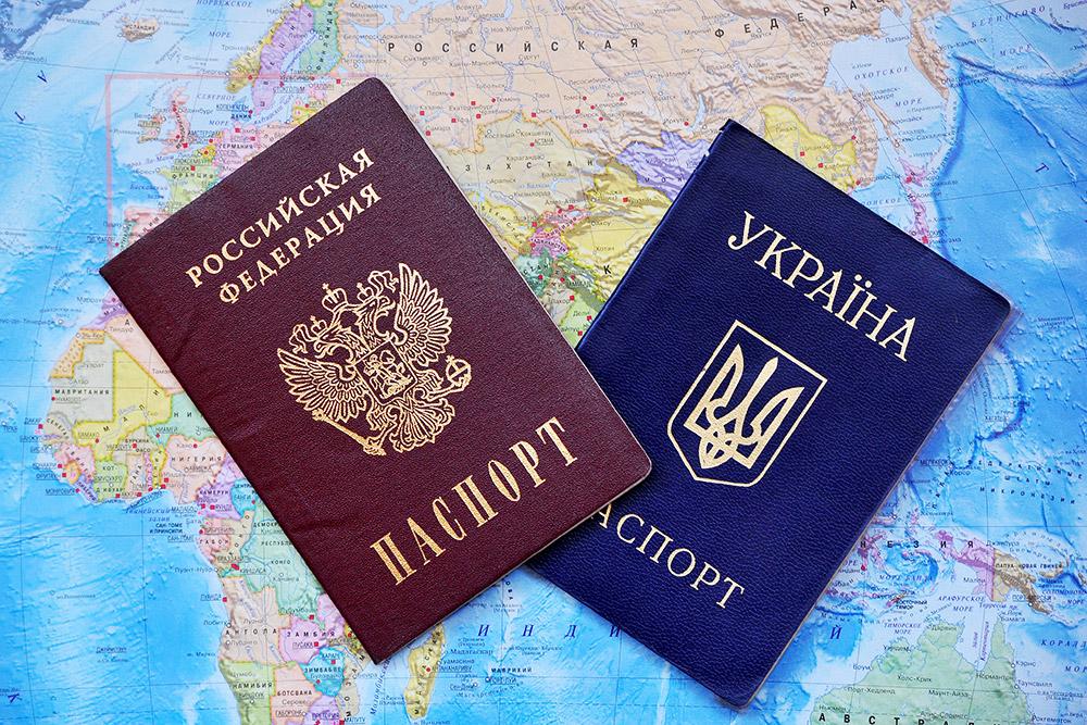 Все больше россиян поддерживают визовые и таможенные ограничения с Украиной