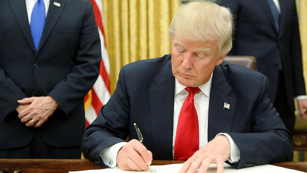 Трамп решил сделать жестче политику в отношении мигрантов