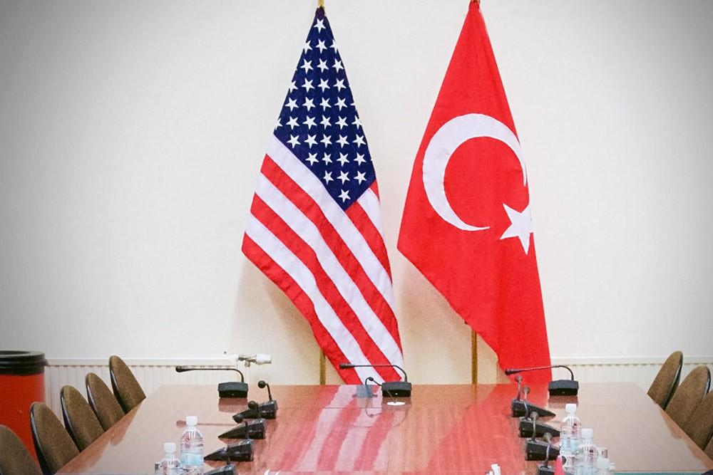 США восстанавливает выдачу виз турецким гражданам