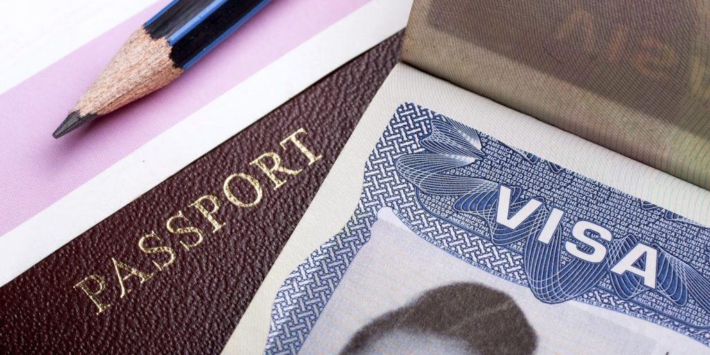 Правительство России вводит новые въездные визы