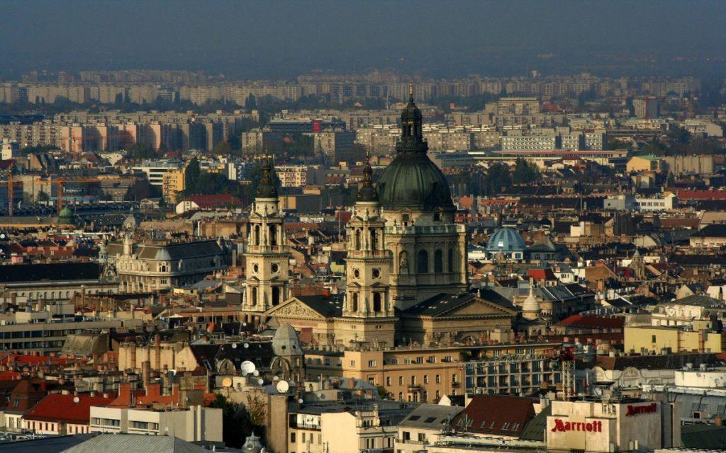 Можно ли приобрести венгерскую недвижимость, продав «двушку» в российской столице?