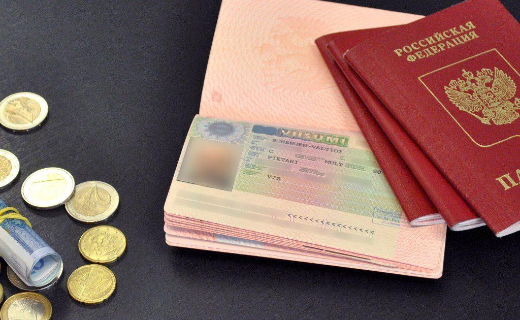 Петербуржцы начали остро ощущать сильную нехватку финских виз