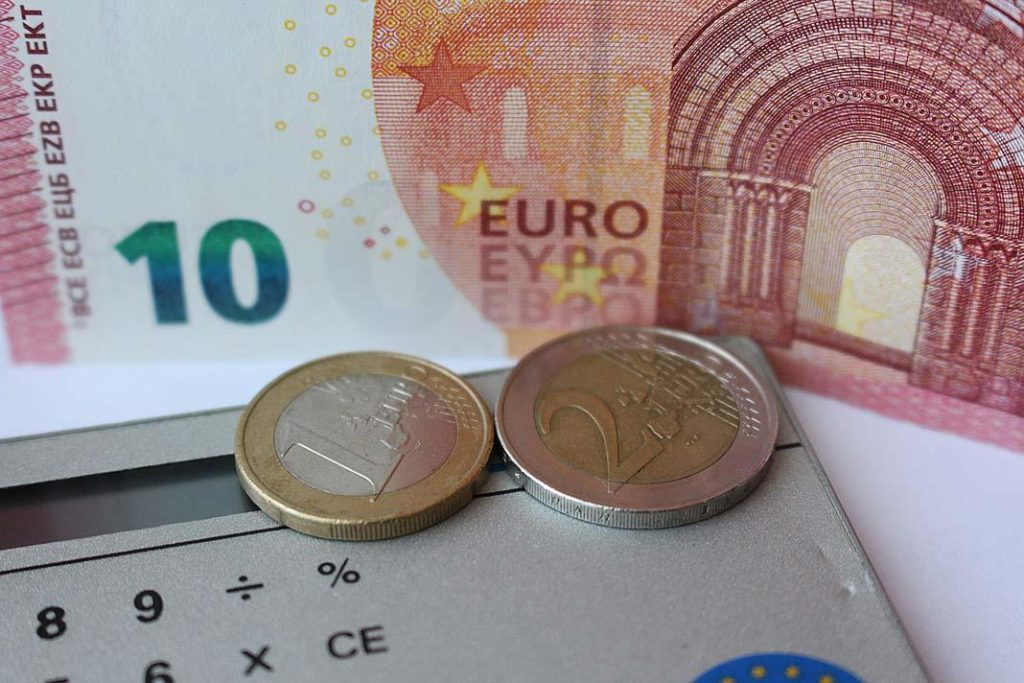 На сегодняшний день экономическое развитие Литвы отстает от Эстонии и Латвии