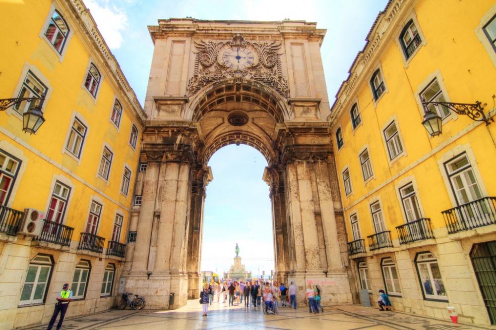 Недвижимость в Лиссабоне – стоит ли вкладывать в нее свои деньги?