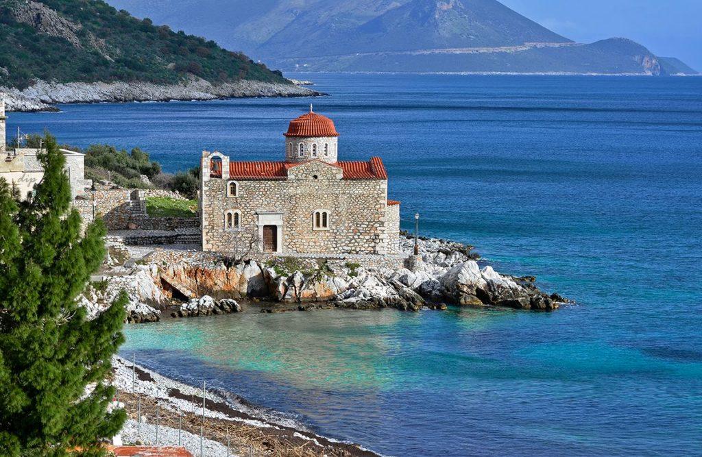 Пять лучших курортов Пелопоннеса для покупки недвижимости