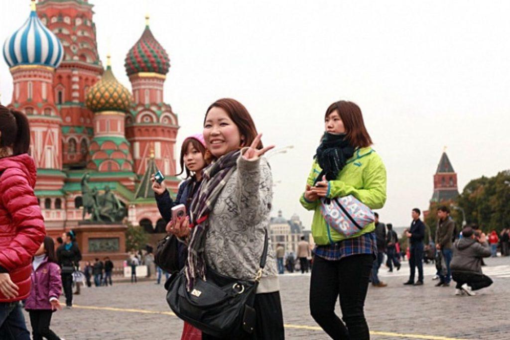 Миграционная служба РФ отмечает повышение количества китайских туристов в нашу страну почти на 25 процентов