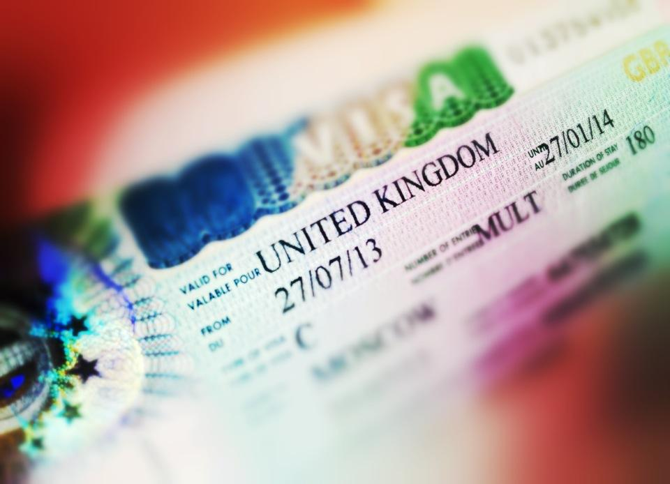Выдача виз жителям России в Великобританию проходит в нормальном режиме