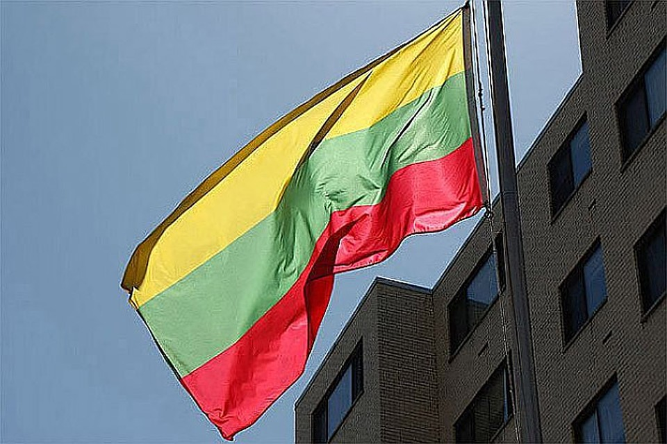 В литовских консульствах откажутся от услуг посредников