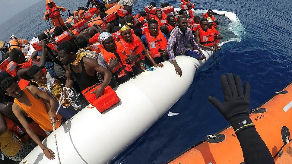 Испания получила деньги на решение миграционных проблем