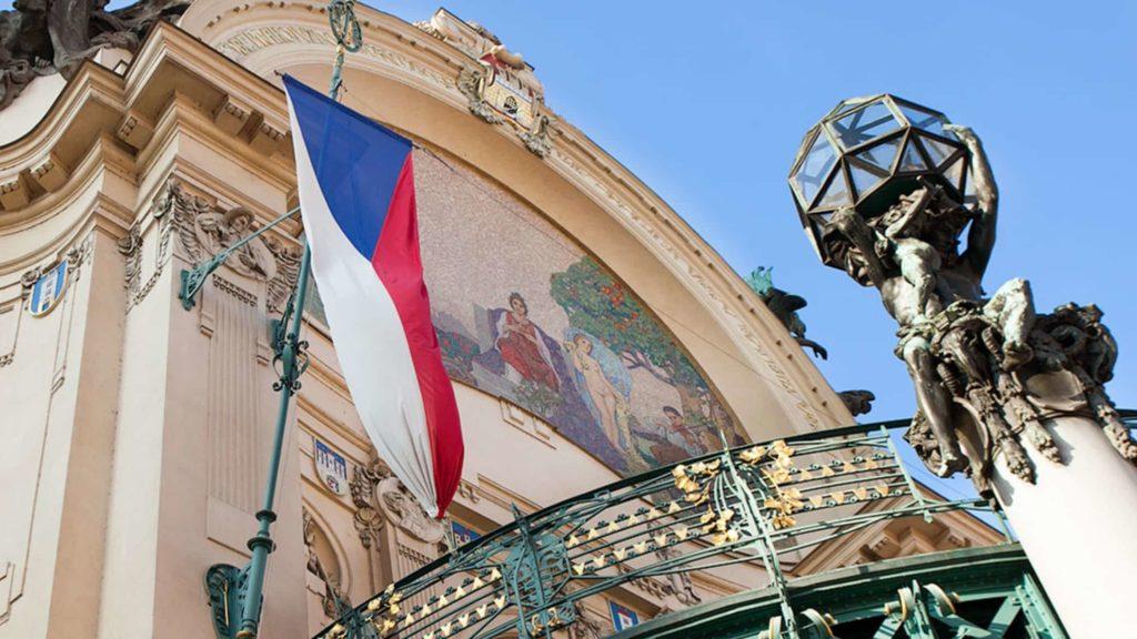 Чехия не хочет страховать всех иностранцев