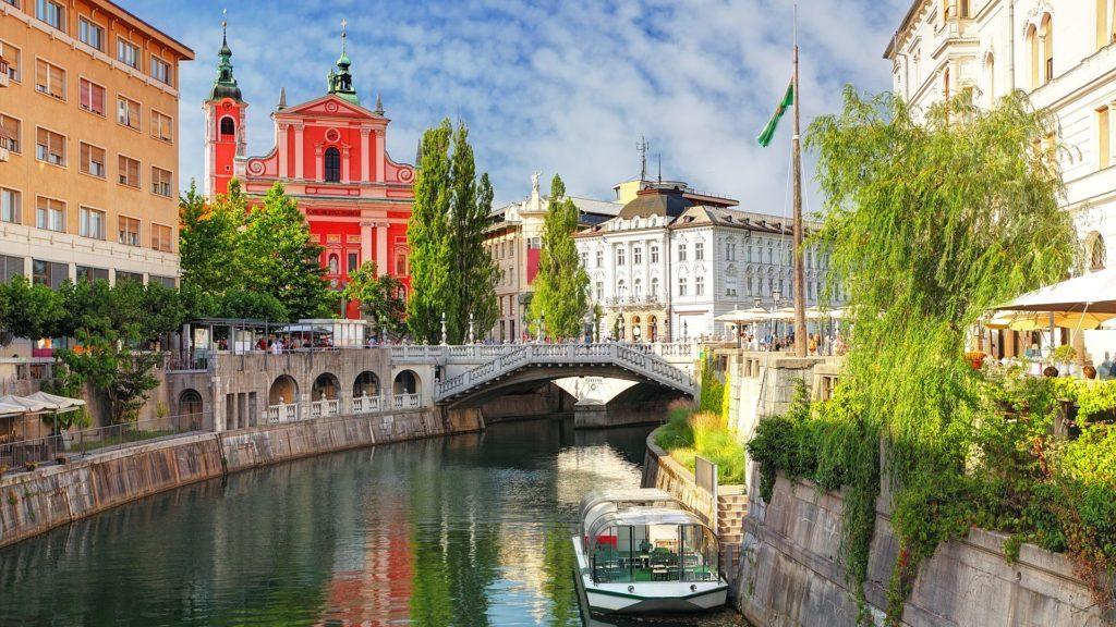 Переезд в Словению: как получить словенский ВНЖ