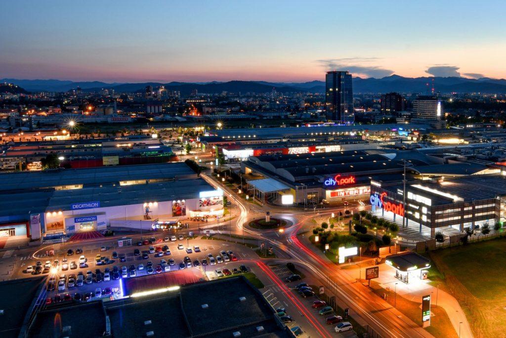 Как заработать деньги на словенских торговых центрах