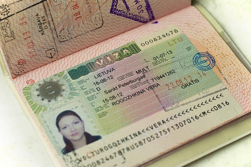 Россияне смогли получить более 25 тысяч виз в Литву