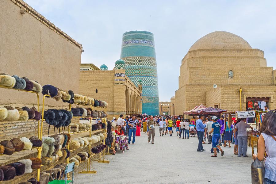 Загранпаспорта вместо привычных виз в Узбекистане