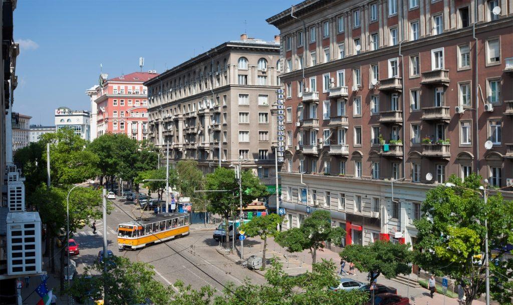 Можно ли купить достойную недвижимостьcза границей, продав квартиру в Москве?
