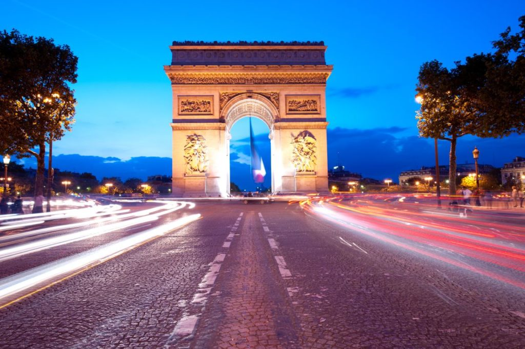 В 2018 году Россияне на 40 процентов охотней оформляли визы во Францию