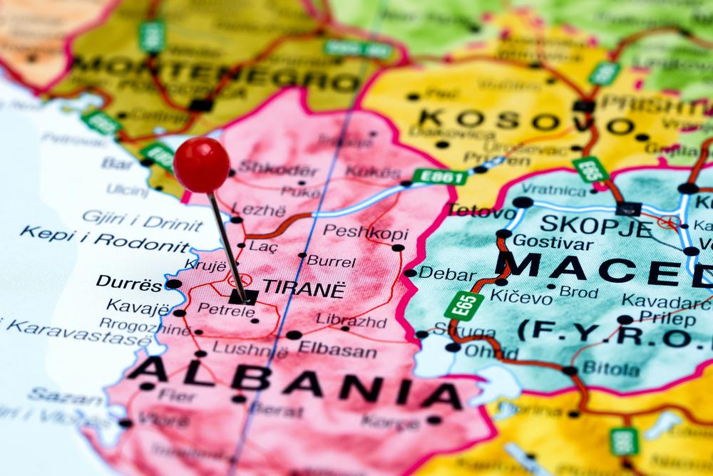Албания для россиян: летом безвизовый режим, в остальное время – Шенген