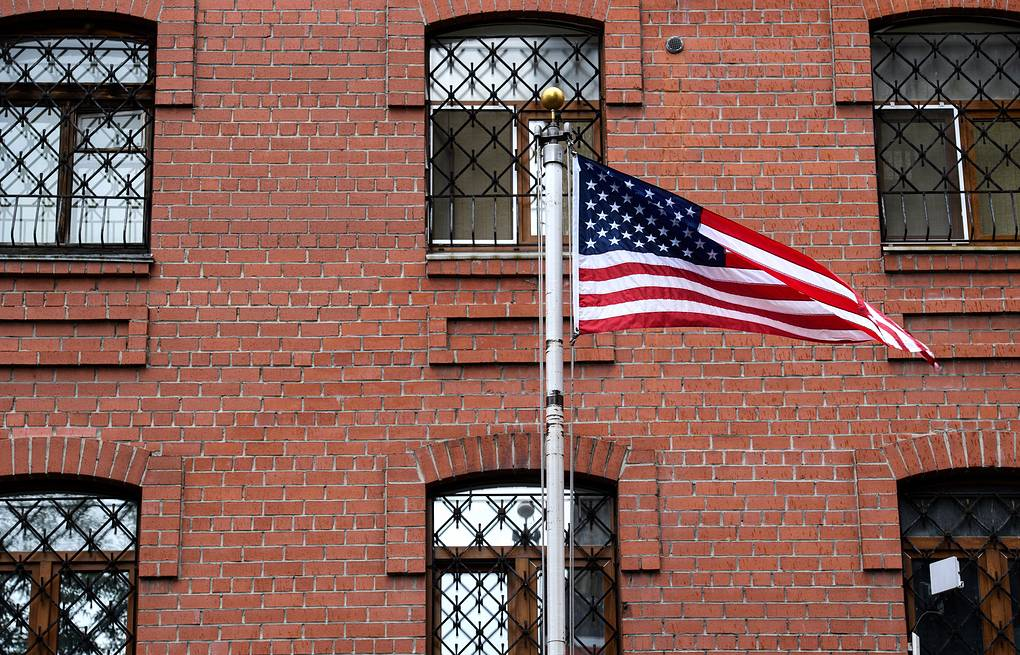 Консульство США стало обрабатывать больше заявок на продление визы