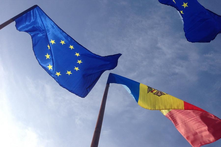 Возможное изменение правил въезда для граждан Молдовы: в ЕС без визы, но за деньги