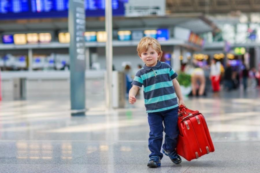 Поездка за границу с ребенком: новые правила