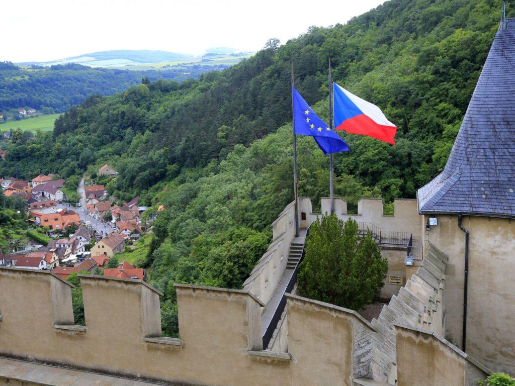 Власти Чехии упрощают процедуру получения ВНЖ