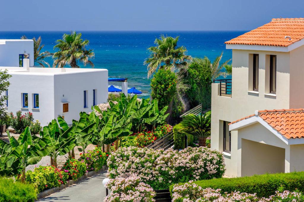 Кипр снова манит: Возвращение покупателей недвижимости