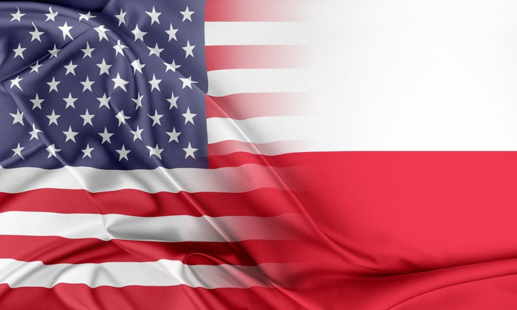 Мнение эксперта: «безвиз» между Польшей и США не означает для поляков свободный въезд