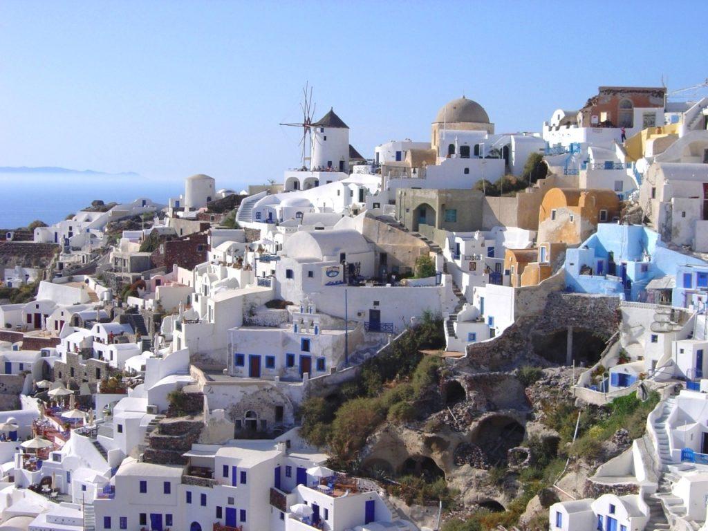 Интерес к рынку недвижимости Греции взлетел на 165%