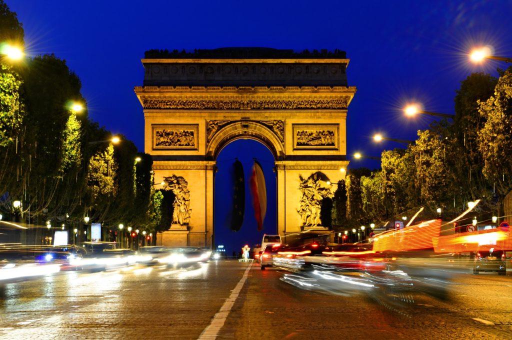С визой во Францию следует поспешить, если там встречаете Новый год