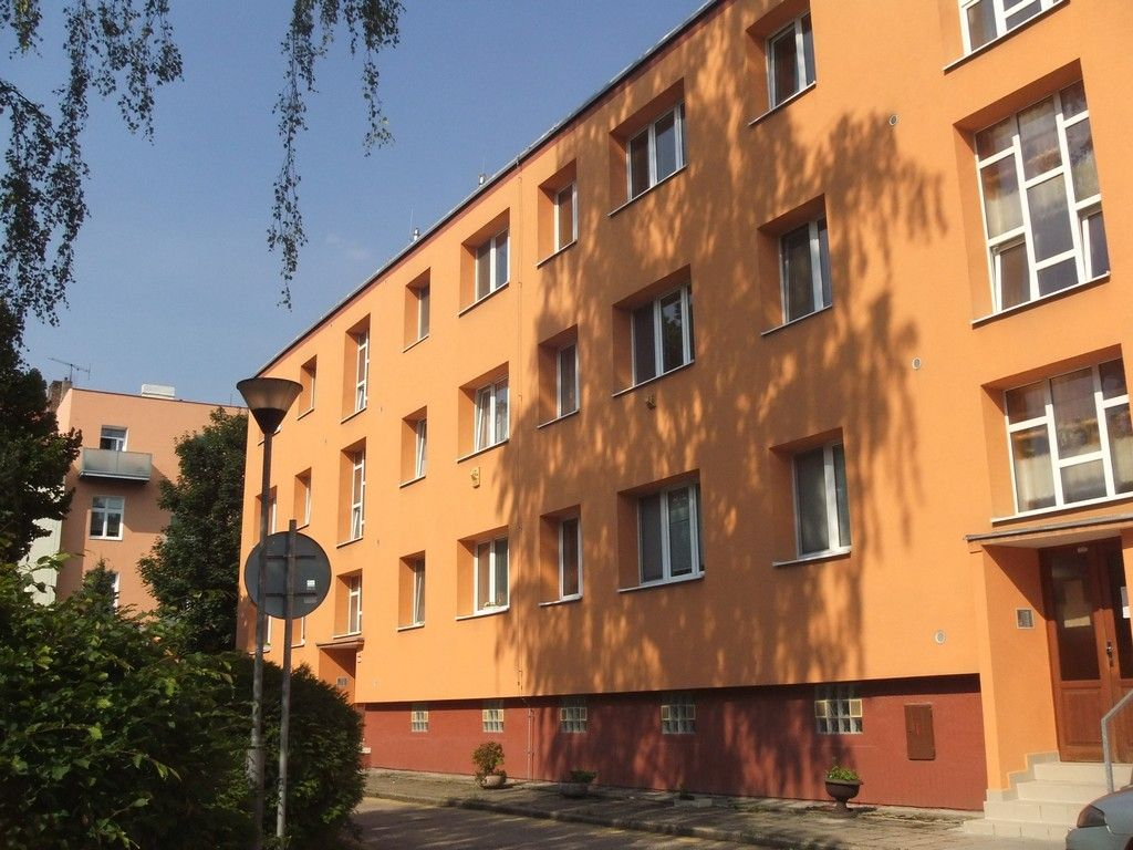 Из личного опыта: стоимость чешской квартиры не дороже российского гаража