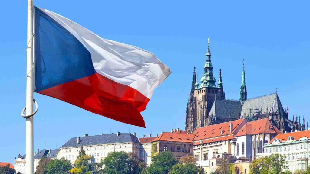 В консульстве Чехии приостановлена выдача виз сибирякам