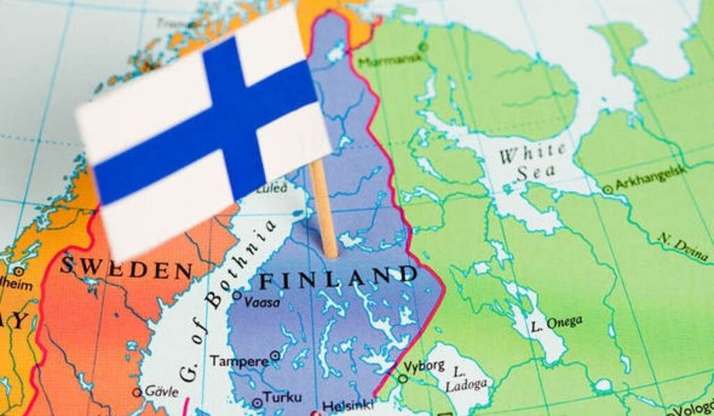 Финляндия предлагает отмену виз Санкт-Петербургу