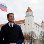 COVID-19 не слабеет, а Словакия открывает границы