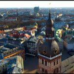 Вторая волна COVID-19 тянет экономику Латвии вниз