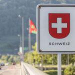 Швейцария: карантин для приезжих вновь введен