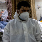 Израиль снова в маске, а Британия – лидер по заболеваемости