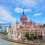 Венгрия готова принимать привитых россиян