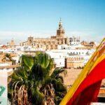 Испания массово выдает визы туристам